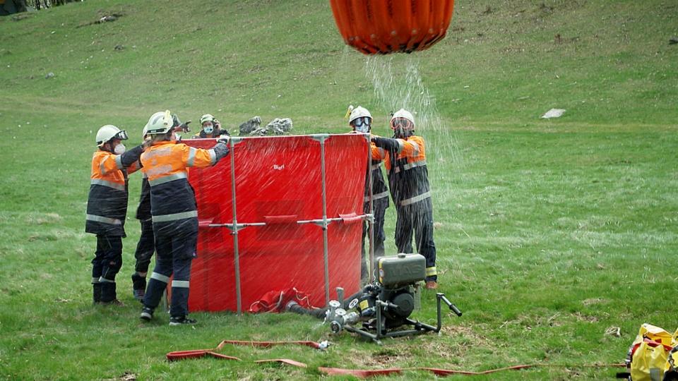 Achtung Waldbrand – Wie die Schweiz löschen lernt