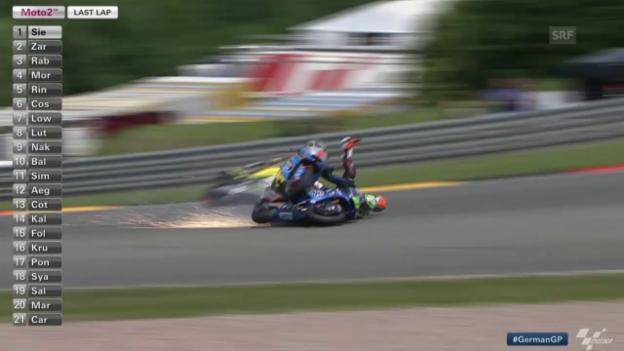 Video «Moto2: GP Deutschland, Sturz Morbidelli, Rabat» abspielen