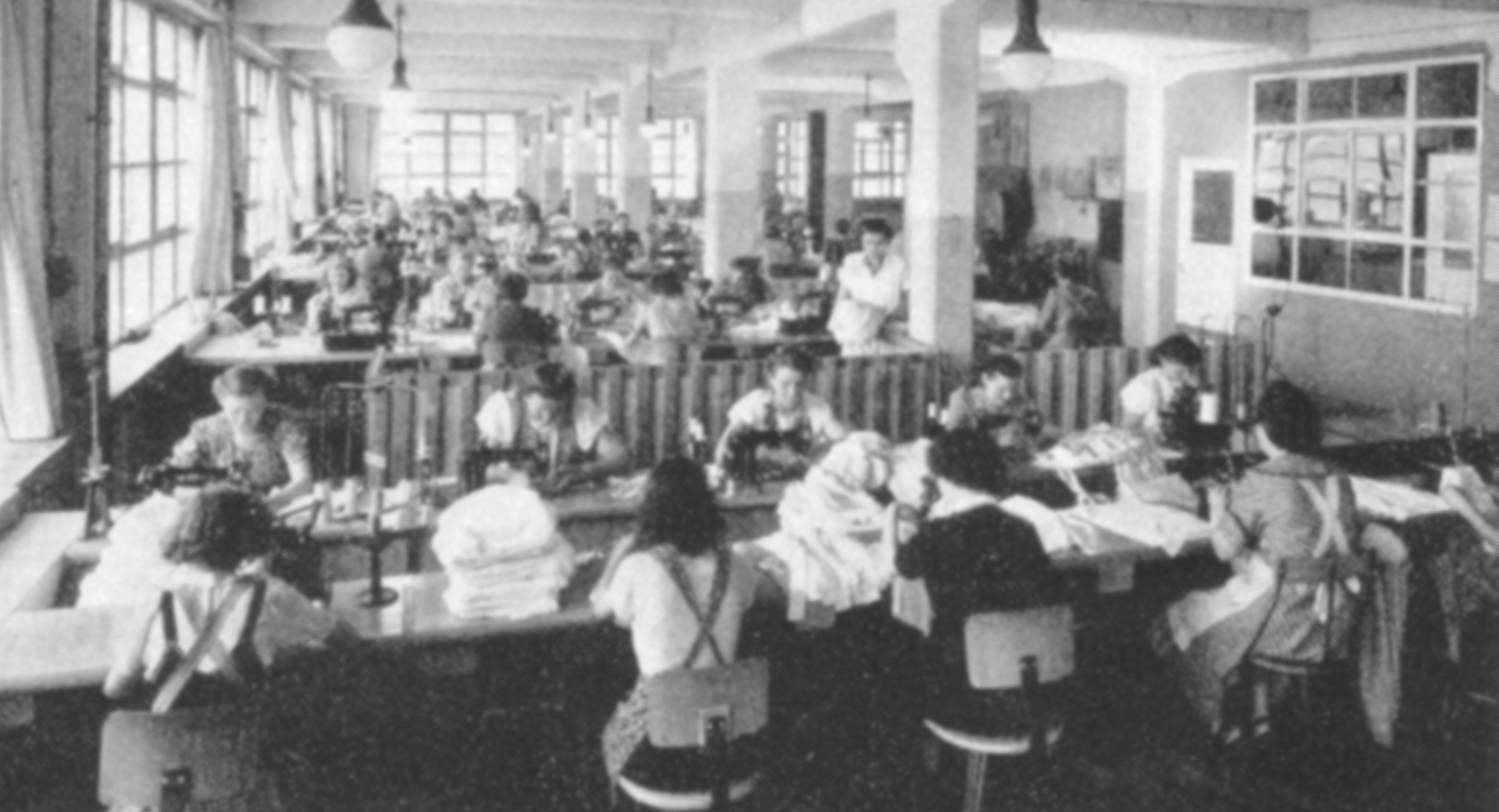 Fabrikarbeit in der Textilindustrie im sozialen Wandel