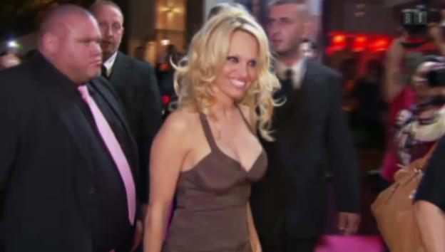 Video «Pamela Anderson: Ehe-Aus nach sechs Monaten» abspielen
