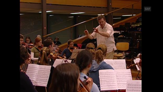 Video «Dossier Orchester: Der lange Weg zur Aufführung (1/4)» abspielen