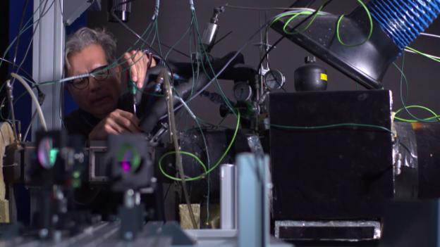 Video «Detektivarbeit am Auspuff (nano/3sat)» abspielen