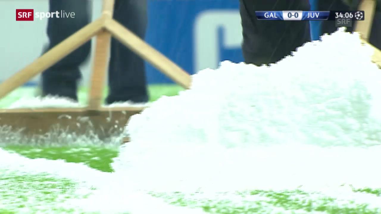 Fussball: Starke Schneefälle in Istanbul sorgen für Spielabbruch