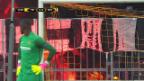 Video «Protest: YB-Anhänger hüllen die Fankurve in Rauch» abspielen