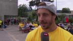 Video «Hockeyspieler mit Herz — Claudio Moggi unterstützt Victoria» abspielen