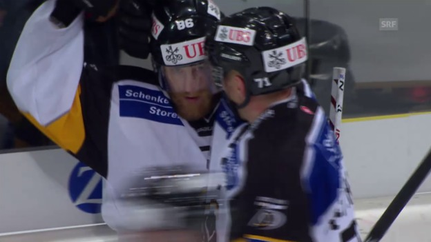 Video «Eishockey: Spengler Cup 2015, Jokerit-Lugano, 3:3 Brunner und 4:3 Klase» abspielen