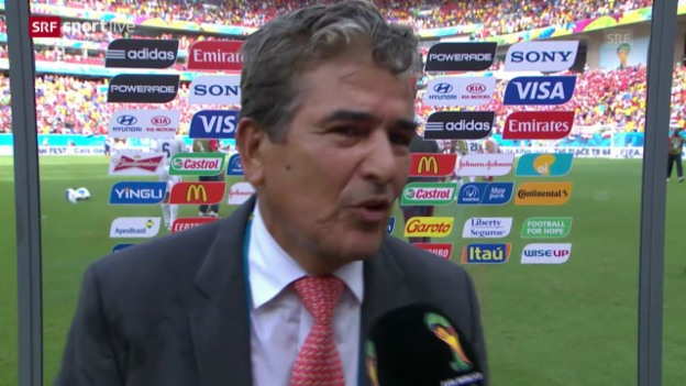 Video «Fazit mit Costa-Rica-Trainer Jorge Luis Pinto» abspielen