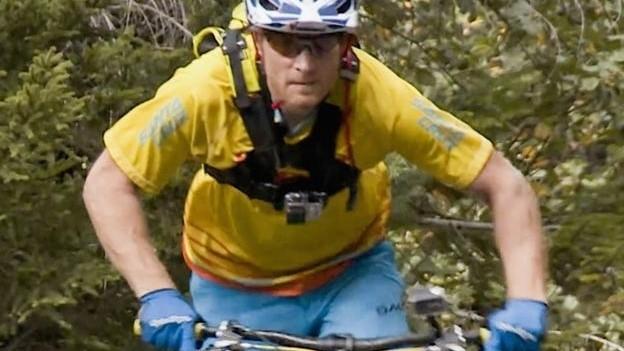 Video «Biken am Abgrund: Entlang der Walliser Suonen ins Tal (1/2)» abspielen