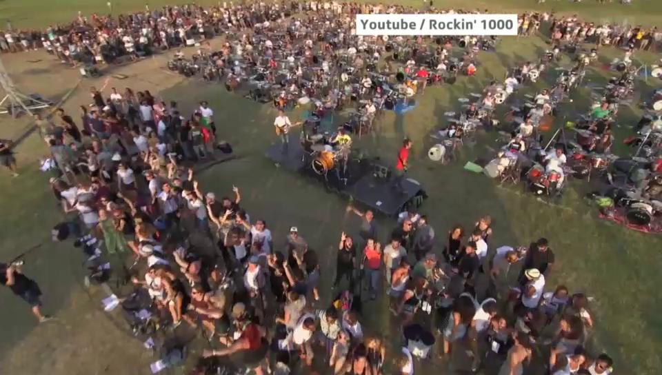 1000 Italiener spielen Foo-Fighters-Song