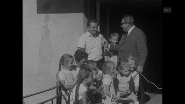 Video «Gratis-Ferien im Reka-Feriendorf (1966)» abspielen