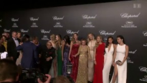 Video «Glamourös: Models und Hollywood-Stars in Cannes» abspielen