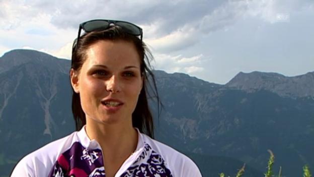 Video «Super-Kombi: Titelverteidigerin Anna Fenninger («schladming aktuell»)» abspielen