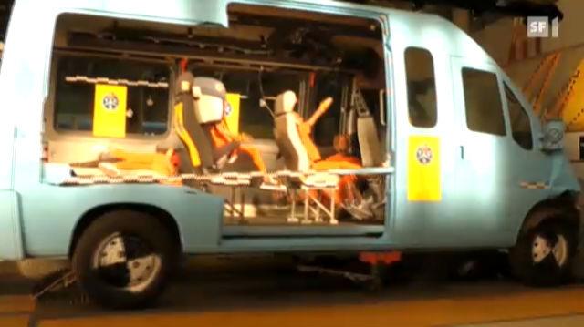 Gefährliche Schulbusse: TCS will Verbot von Längsbank