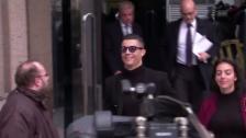 Link öffnet eine Lightbox. Video Ronaldo zu Millionen-Busse verdonnert abspielen