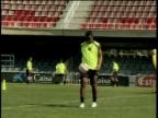 Video «Ronaldinho machts vor» abspielen