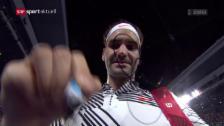 Link öffnet eine Lightbox. Video Roger Federer startet mit Viersatzsieg in die Australian Open abspielen