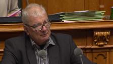 Video «Vischer: «Wir haben es mit der kleineren und mittleren Kriminalität zu tun.»» abspielen