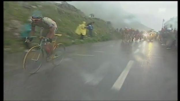 Video «TdF 1998: Pantani distanziert Ullrich auf Königsetappe» abspielen