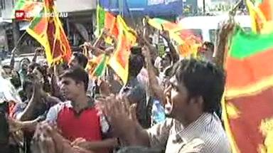 Video «Sri Lanka feiert Ende des Bürgerkrieges» abspielen