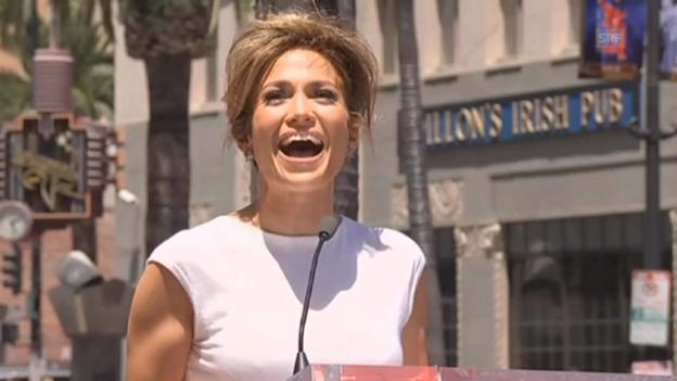 Video ««Walk of Fame»-Stern für Jennifer Lopez» abspielen