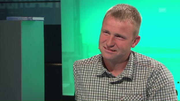 Video «Bauernleben ohne Arme - Wisi Zgraggen zu Gast bei «Aeschbacher»» abspielen