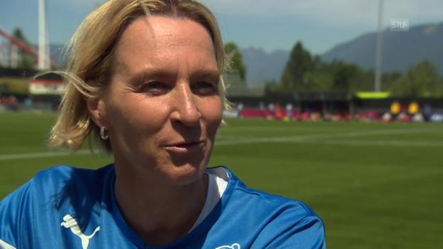 Video «Fussball: Frauen-WM, Martina Voss-Tecklenburg über den Besuch von Köbi Kuhn» abspielen