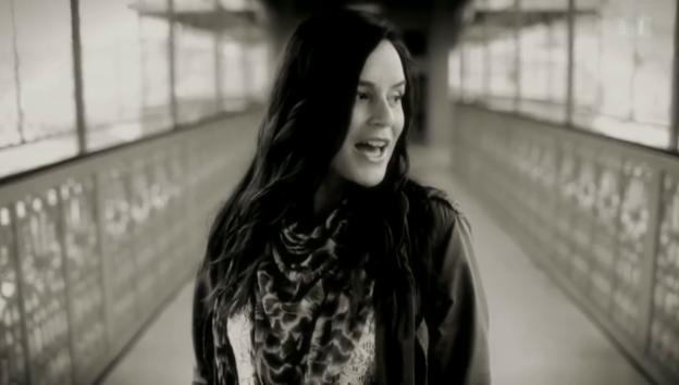 Video «Baby-News bei Caroline Chevin» abspielen