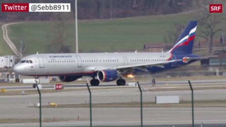 Link öffnet eine Lightbox. Video Stichflamme aus Triebwerk – Aeroflot-Maschine bricht Flug ab abspielen