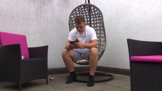 Video «Bendrit und sein Handy: eine Liebesgeschichte» abspielen