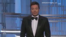Video «Golden-Globes-Moderator Fallon erinnert an Carrie Fisher und Debbie Reynolds (unkomm.))» abspielen