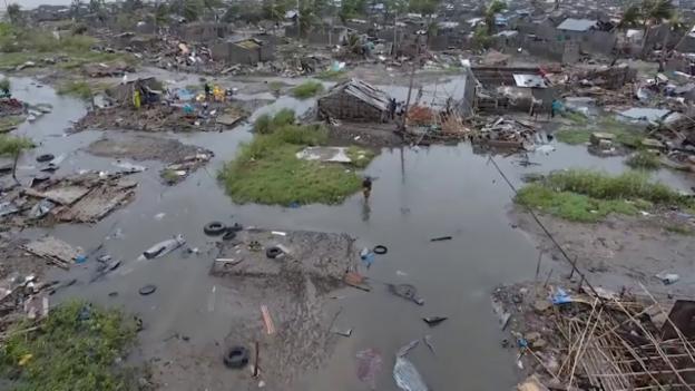 Video «Mosambik – die Wassermassen bedrohen Hunderttausende Menschen» abspielen