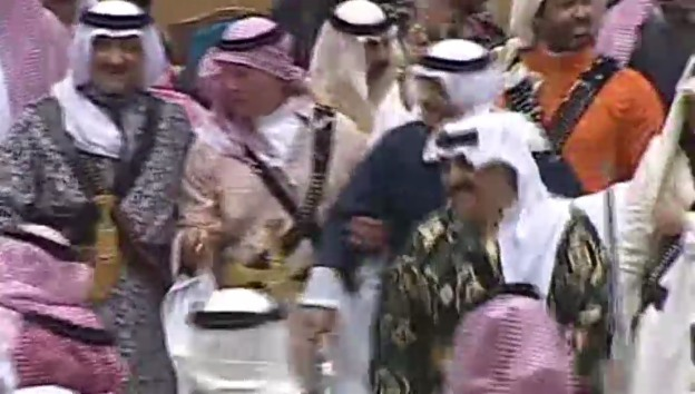 Video «Prinz Charles oder: Der mit dem Schwert tanzt (unkom. Video)» abspielen