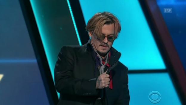 Video «Johnny macht sich zum Depp (unkommentiert)» abspielen