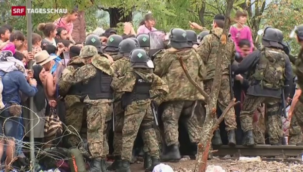 Video «Mazedonien öffnet die Grenzen» abspielen