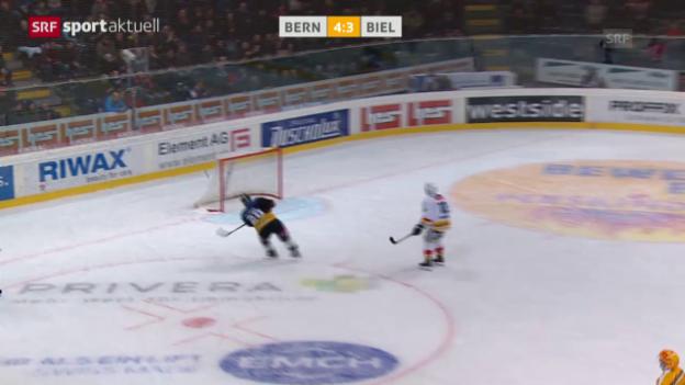 Video «Eishockey: Bern-Biel, Pluess verfehlt leeres Tor» abspielen