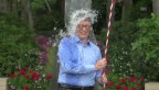 Video «Bill Gates' Ice Bucket Challenge (Englischer Originalton)» abspielen