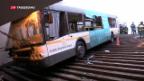 Video «Bus überfährt Menschen» abspielen