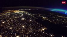 Link öffnet eine Lightbox. Video Atemberaubende Blicke auf die Erde abspielen