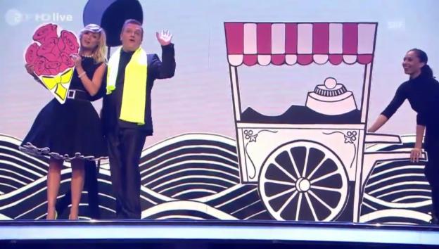 Video «Michelle Hunziker und Hape Kerkeling bei der «Goldenen Kamera»» abspielen