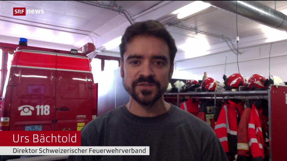 Feuerwehr mahnt zur Vorsicht bei Schachtdeckeln und Pfützen