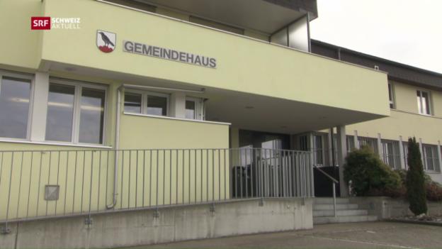 Video «Gemeindepräsidenten legen Löhne offen» abspielen