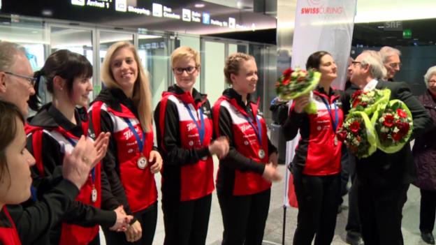 Video «Curling-Weltmeisterinnen sind zurück» abspielen