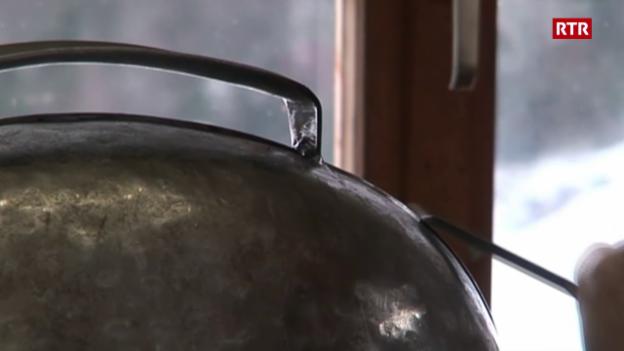 Laschar ir video «Chalandamarz: La plumpa»