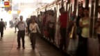 Video ««10vor10»-Weihnachtsserie: Bahnhof Mumbai» abspielen