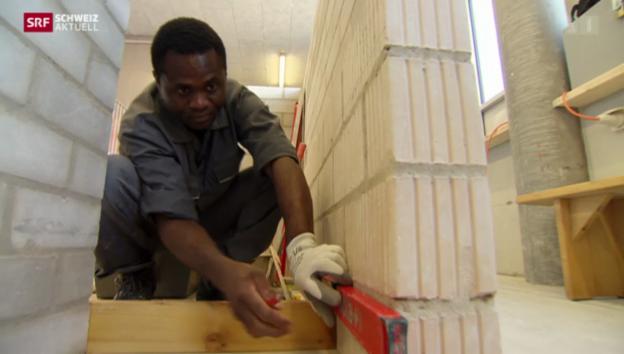 Video «Flüchtling macht Maurer-Ausbildung» abspielen