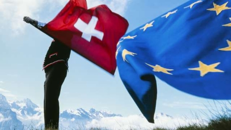 Link öffnet eine Lightbox. Video Knatsch um Lohnschutz: EU-Deal am Ende? abspielen.