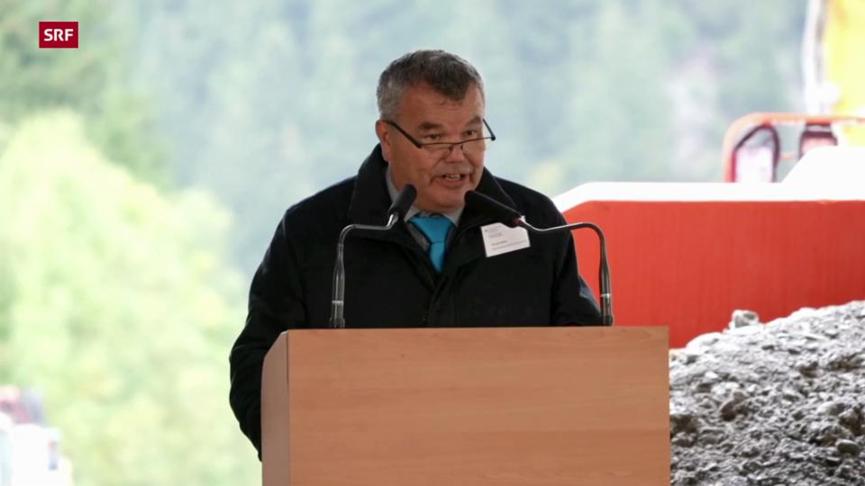 Peter Tresch, Präsident von Göschenen, wünscht dem Projekt Erfolg