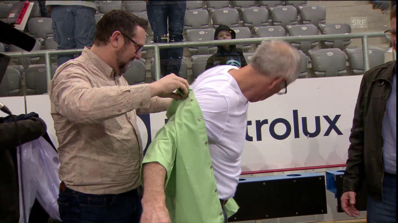McNamara im grünen Hemd – Muss jetzt der Schnauz weg?