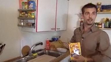 Video «Das goldene Rüebli - heute kocht Bligg» abspielen