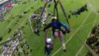 Video «Im Deltaflug vom Beatenberg ins Tal – ungesichert» abspielen